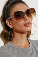 نظارة شمسية كبيرة الحجم بإطار ليوبارد مربع الشكل