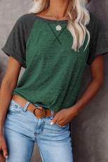 Camiseta verde con bloques de color de patchwork y mangas raglán