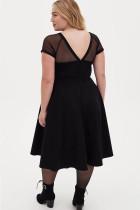 Черное сетчатое платье миди с круглым вырезом и короткими рукавами с высокой талией больших размеров