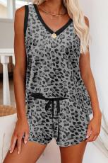 Camiseta sin mangas y pantalones cortos con estampado de leopardo gris