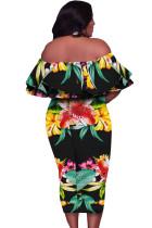 Vestido preto sem ombro floral plus size midi