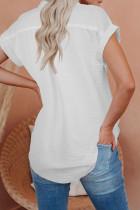 Белая льняная рубашка с короткими рукавами на пуговицах