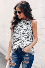 Camiseta sin mangas con cuello con volantes y estampado de leopardo blanca