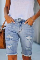 กางเกงขาสั้นเบอร์มิวดาเดนิม Distressed สีน้ำเงินอ่อน