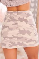 تنورة قصيرة بطبعة كامو