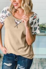 Dzianinowa dzianinowa koszulka w panterkę w kolorze khaki