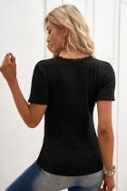 Czarna dzianinowa bluzka z krótkim rękawem i guzikami
