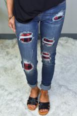 Το Red Plaid Patch κατέστρεψε τα Skinny Jeans