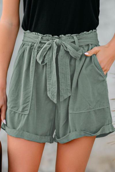 Πράσινα ραμμένα σορτς τσέπης με τσέπη με μανίκι και ζώνη