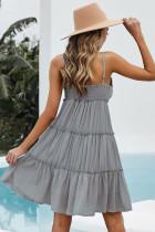 Mini vestido cinza com alças finas e babados